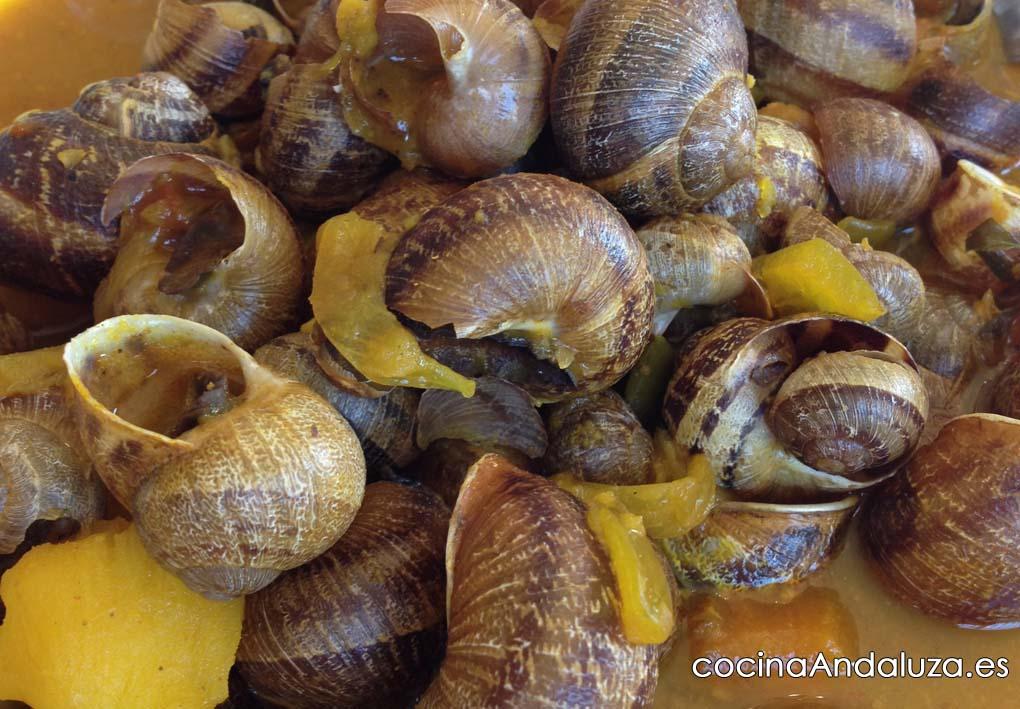 Receta de caracoles con salsa de almendras