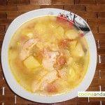 Sopa de pescado cocido.