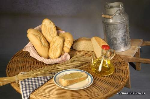 Pan Cateto y aceite de oliva, el desayuno andaluz