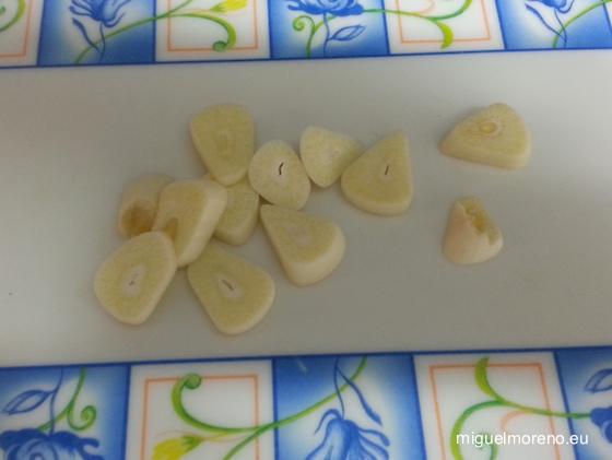 Ajos picados para el huevo frito