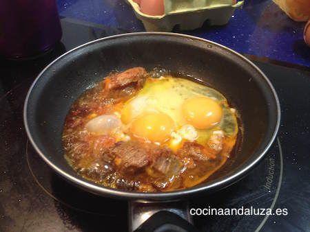 Huevos recien echados