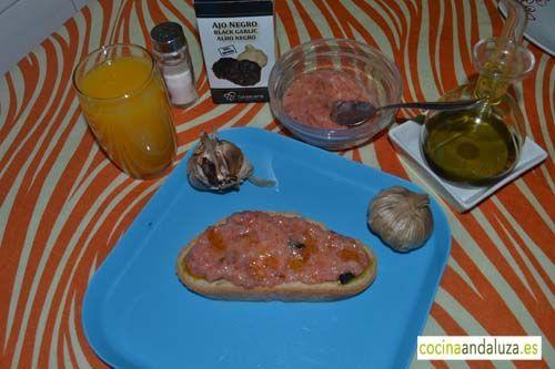 Un buen desayuno natural con ajo negro  es bueno para tu salud