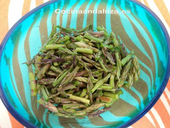espárragos verdes de campo para hacer una buena Sopa de espárragos casera como hacían nuestras abuelas
