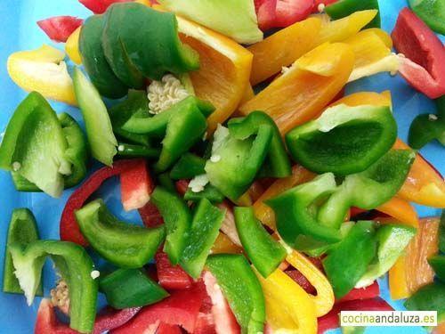 Pimiento verdes, rojos y amarillos para saltear