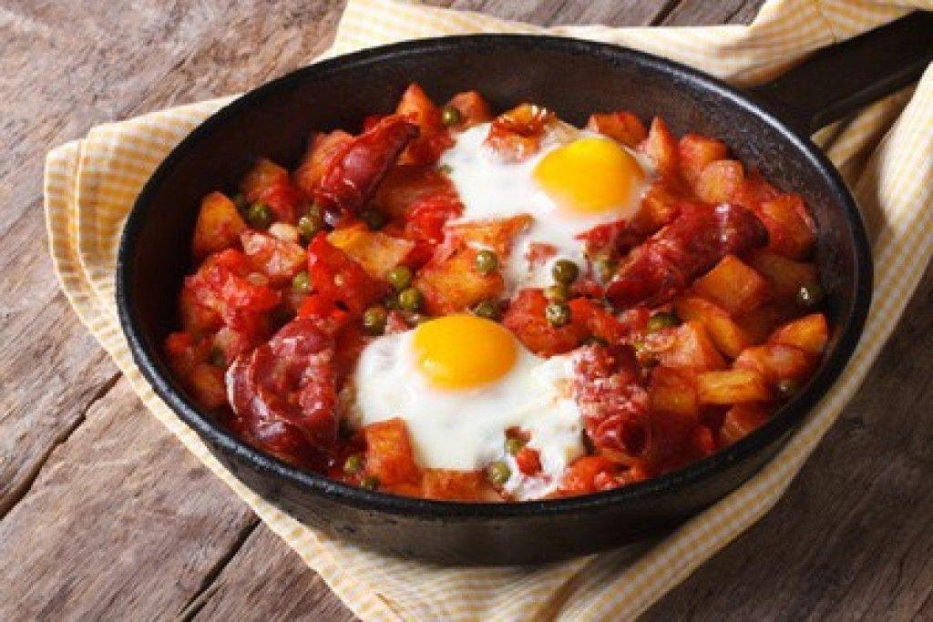 Huevos a la flamenca típicos de Sevilla