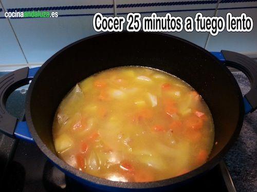 Cocemos a fuego lento las lentejas durante 25 minutos